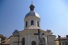 Граненая апсида собора Пресвятой Троицы в Бережанах