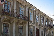 "Центральный фасад ""Родной школы"" в Бережанах"