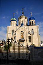 Центральний фасад Михайлівського собору в Немирові