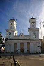 Центральный фасад немировского храма святого Юзефа
