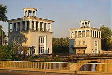 Вежі управління запорізького Старого шлюзу
