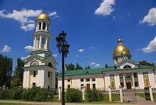 Южный фасад собора в честь Андрея Первозванного в Запорожье