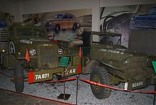 """Військові автомобілі колекції музею """"Фаетон"""" в Запоріжжі"""