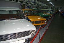 Зал цивільних авто запорізького музею техніки