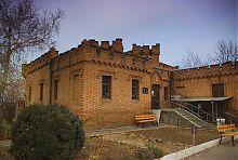 Внутренний фасад северо-восточного флигеля Васильевского поместья Поповых
