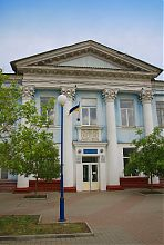 """Ризалит центрального входа бывшего """"Гранд отеля"""" в Бердянске"""