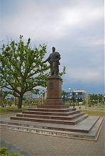 Памятник М.С. Воронцову на центральной бердянской площади