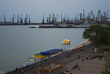 Набережна та Бердянський порт