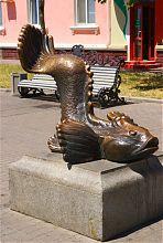 Памятник Бычку-кормильцу на Приморской площади Бердянска