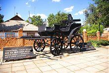 Гуляйпольский памятник тачанке