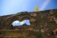 Арка второго яруса казематов Таракановской крепости