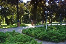 Погруддя Героїв Радянського Союзу та повних кавалерів ордена Слави Андрушівського району