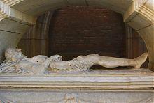 """Скульптура Христа из композиции """"Гроб Господень"""" восточной стены часовни Кампианов во Львове"""