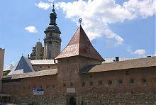 Східний фасад львівського бернардинського монастиря
