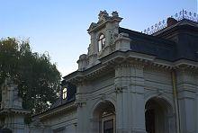 Декоративный фронтон мансардного яруса дворца Сапегов