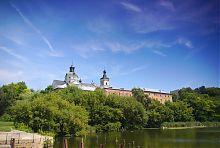 Пруд на реке Гнилопять районе бердичевского монастыря Кармелитов Босіх