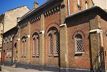 Південний фасад львівської храму  Косми і Даміана