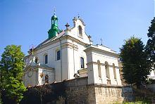 Западный фасад львовского костела святого Антония Падуанского