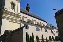 Южный фасад львовского костела босых кармелитов