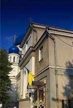 Западный фасад Свято-Михайловского храма в Житомире