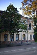 Центральний фасад Будинку офіцерів (жіночого духовного училища)