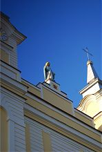 Статуя святой Софии на центральном фасаде кафедрального собора