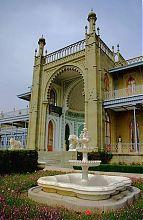Южный фасад Алупкинского Воронцовского дворца