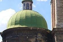 Купол з ліхтарем над апсидою Успенського храму Львова