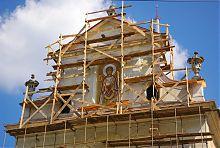Фронтон костелу святого Казимира у Львові