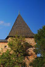 Шатрове завершення вежі Чарторийських Окольного замку в Луцьку