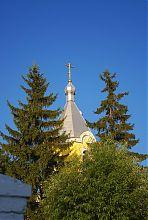 Завершение колокольни храма Покрова Богородицы в Луцке