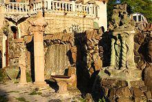 Західний фасад луцької садиби скульптора Голованя