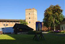 Руїни собору Іоанна Богослова в Луцькому замку і Стирова вежа