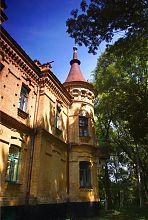 Юго-восточная башня дворца Терещенко в Турчиновке