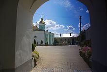 Келейный корпус Свято-Троицкого монастыря в Дермани