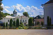 Флигель с теплой церковью дерманского Троицкого монастыря