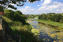Река Иква (вид с террасы Дубненского замка)