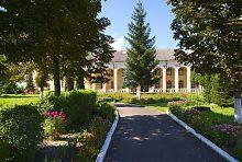 Бывший монастырь кармелиток в Дубно (ныне православный Варваринский)