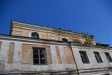 Лопатки західного фасаду Великої синагоги в Дубно