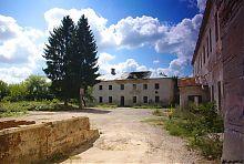 Внутрішній двір замку Чарторийських у Клевані
