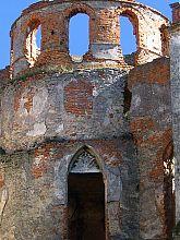 Внутрішня частина офіцерською вежі Меджибізького замку