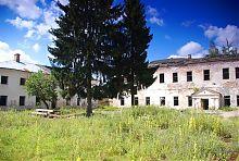 Внутренний двор крепости Чарторыйских в Клевани
