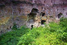 Внешняя стена клеванского замка Чарторыйских