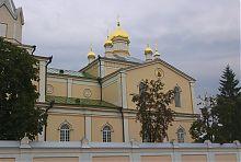 Южный неф собора Святой Троицы в Корце