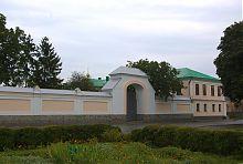 Учебный корпус корецкого монастыря Святой Троицы