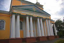 Южный колонный портик церкви святого Николая в Корце