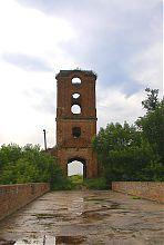 Надвратная башня крепости в Корце