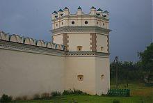 Південна башта монастиря в Межирічі