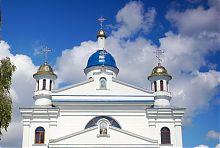 Фронтон мізочської церкви Різдва Пресвятої Богородиці