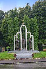 Пам'ятник князям Острозьким в серці їх земель